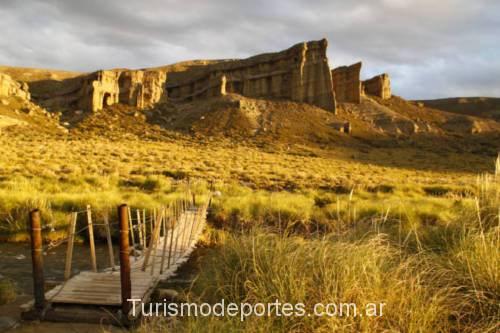Castillos de pincheira puente sobre rio malargue