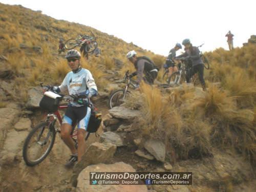 Descenso pueblo escondido en bicicleta Cordoba