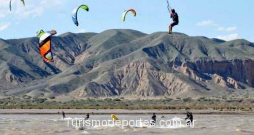 Kitesurf en cuesta del viento