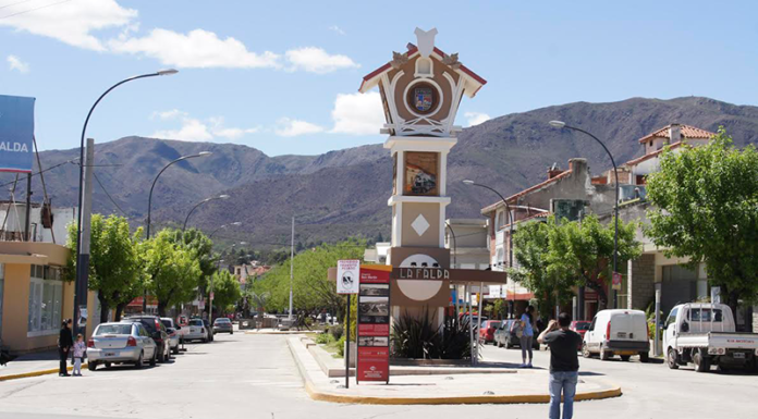La Falda Cordoba Reloj boulevard