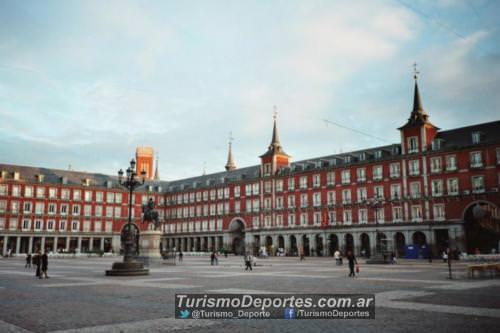 Alquiler de autos en Plaza Mayor Madrid